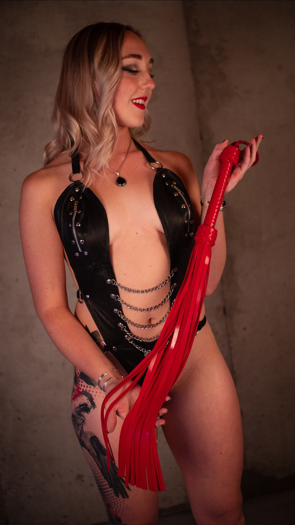 THE SILICONE MASTER FLOGGER